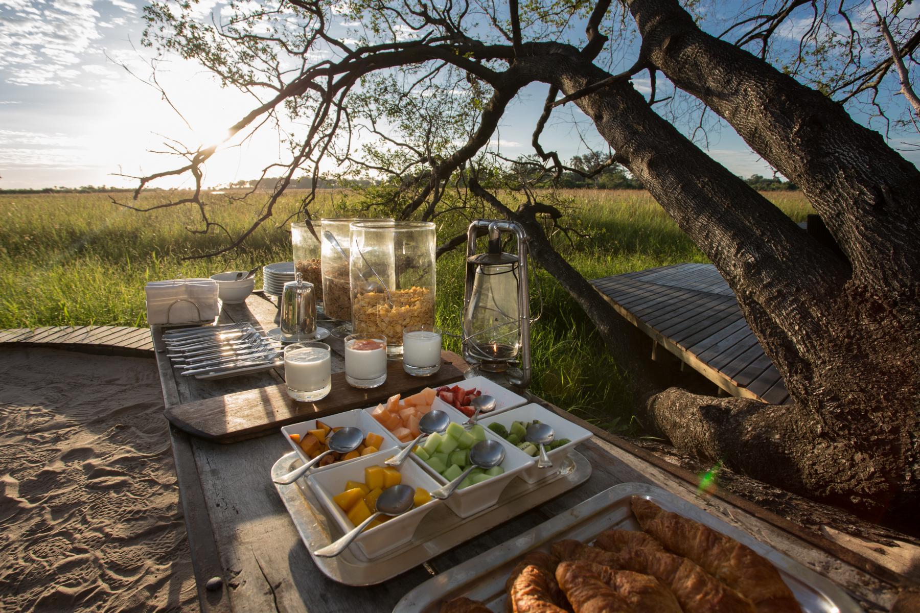 Frühstück im Abu Camp, Okavango Delta, Botswana