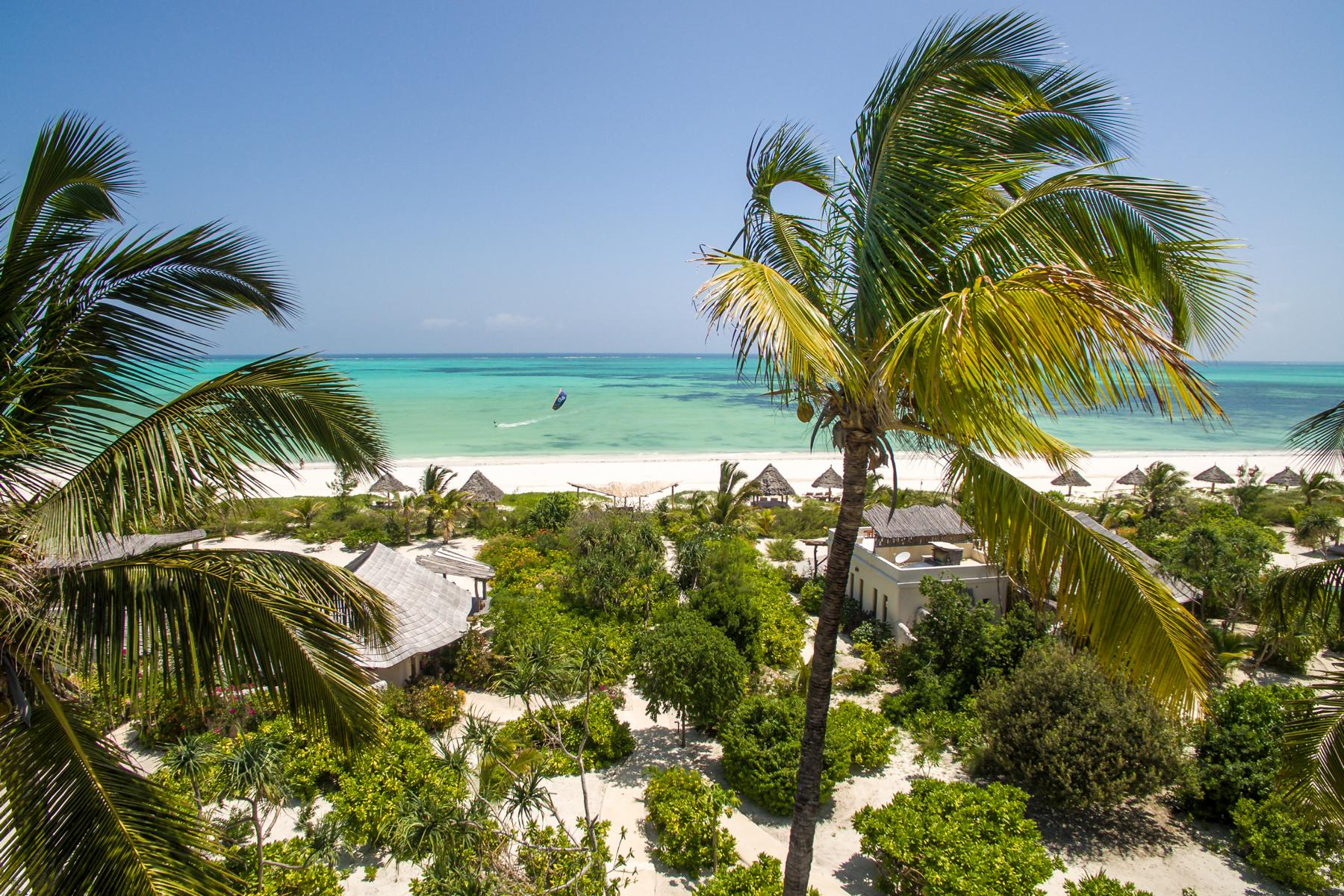Zanzibar White Sands - K1600_Beach-View-with-kitesurfer.jpg