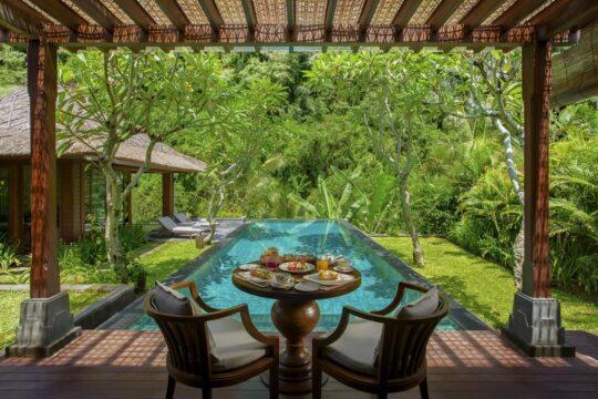 Ritzcarltonmandapa - K1600_In-Villa-Breakfast.jpg