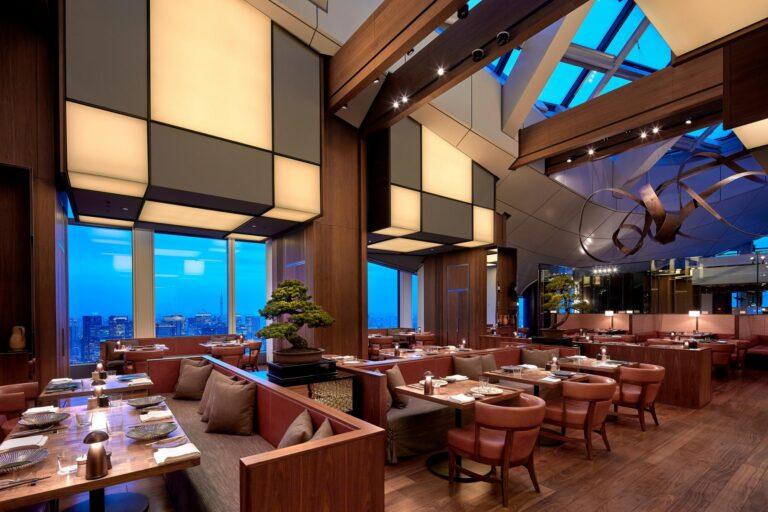 Andaz - K1600_Andaz-Tokyo-Tavern-Dining-Area-Nighttime-Table-Seat.jpg
