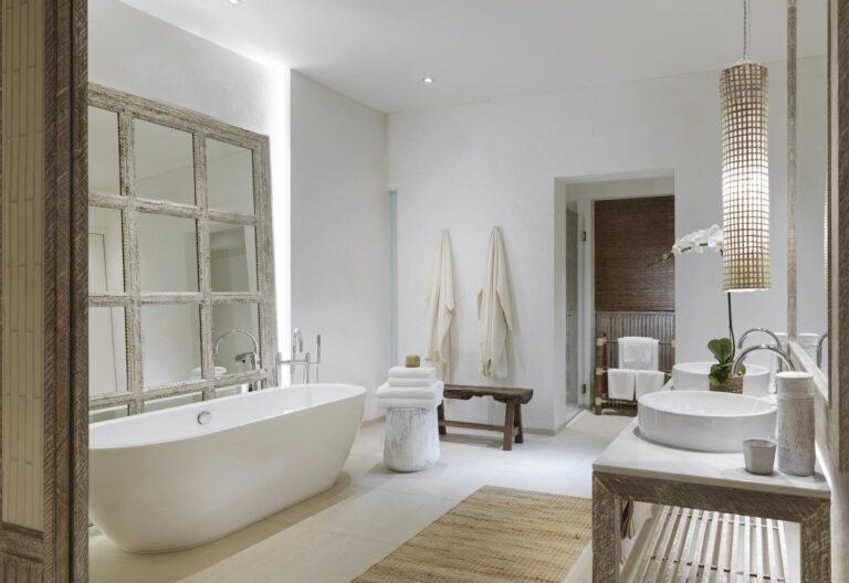 RayaHeritage - Huen-Bon-Suite-Bathroom.jpg