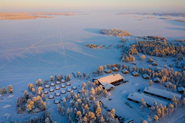 Rundreise - K1600_Inari_wilderness_hotel_view