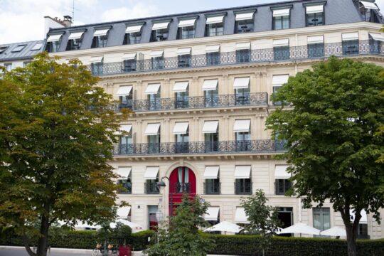 Reserveparis - K1600_La-Réserve-Hotel-Spa-Crédits-photo-G.-Gardette-La-Réserve-Paris-facade.jpg