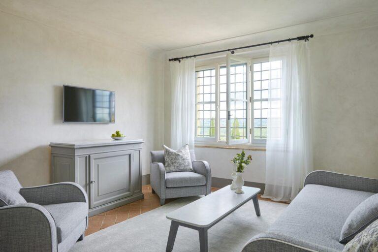 COMO - K1600_COMO-Suite-Living-Room-High-Resolution-4.jpg