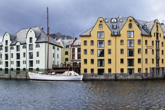 Brosundet - K1600_Hotel-Brosundet-Photo-Credtit-KristinStoylen.jpg