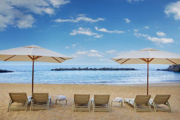 Abama - K1600_Abama-Beach-Hotel-Sunbeds