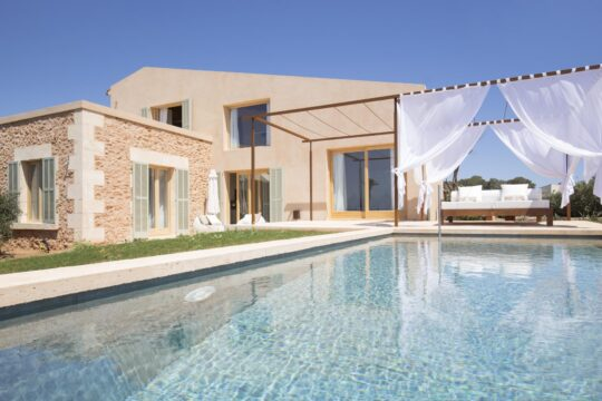 Fontsanta - luxury-villa-with-pool.jpg