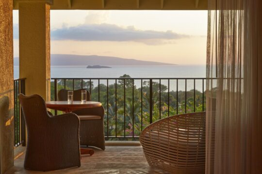 Hotel Wailea Relais & Chateaux - K1600_006-LuxurySuite-panoramicview.jpg