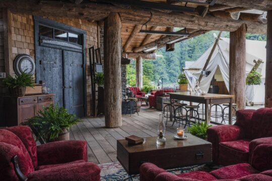 Clayoquot - K1600_Clayoquot-Wilderness-Resort-Cookhouse-Outdoor-Lounge-Photo-by-Bryan-Stockton.jpg