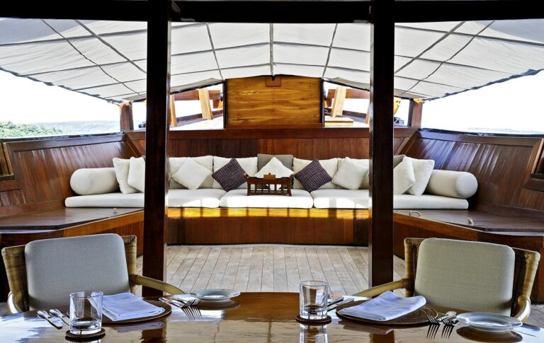 Amanikan - Amanikan-Indonesia-Outdoor-Galley-and-Lounge-Area_High-Res_1681.jpg