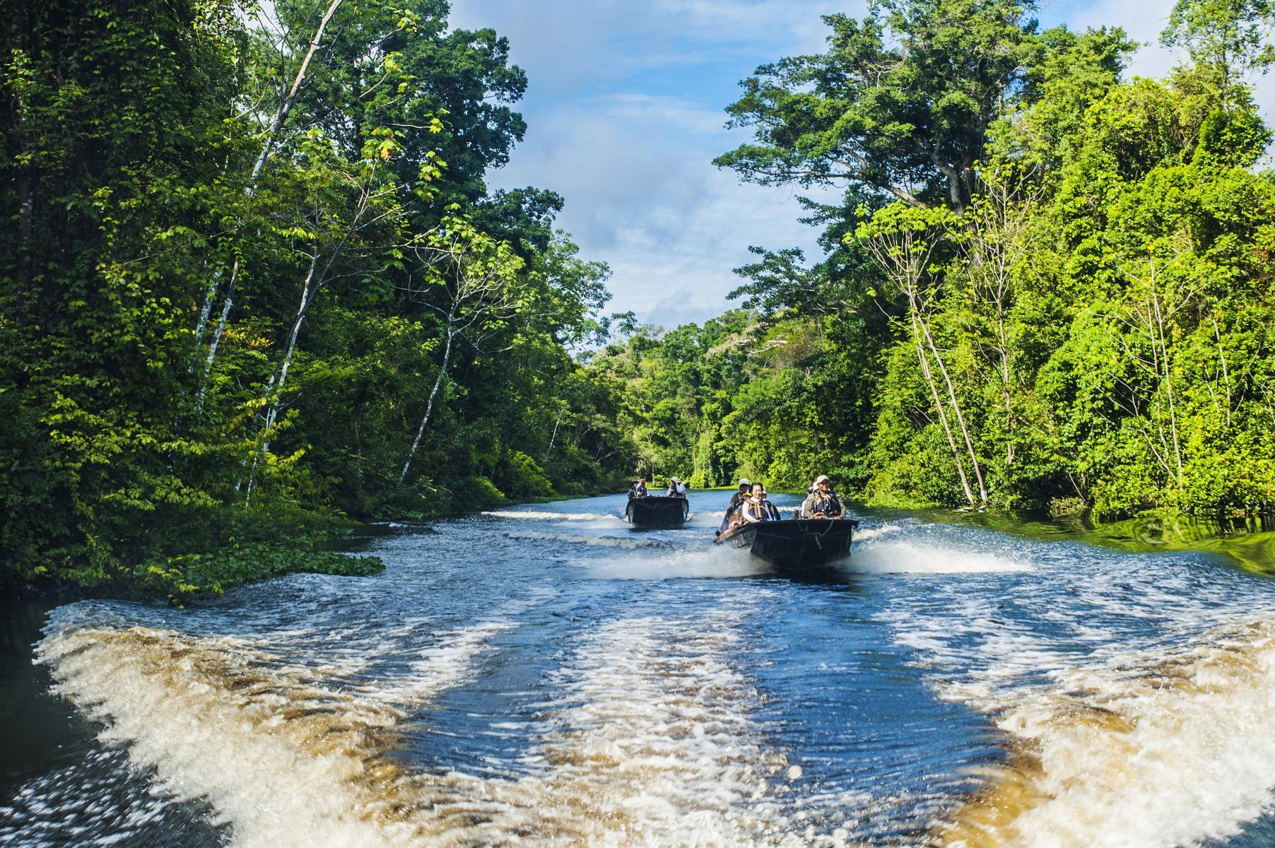 Tagesausflug mit Speedbooten der Aqua Nera auf dem Amazonas