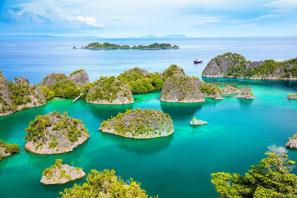 Raja Ampat bei einer Kreuzfahrt mit der Aqua Blu in Indonesien
