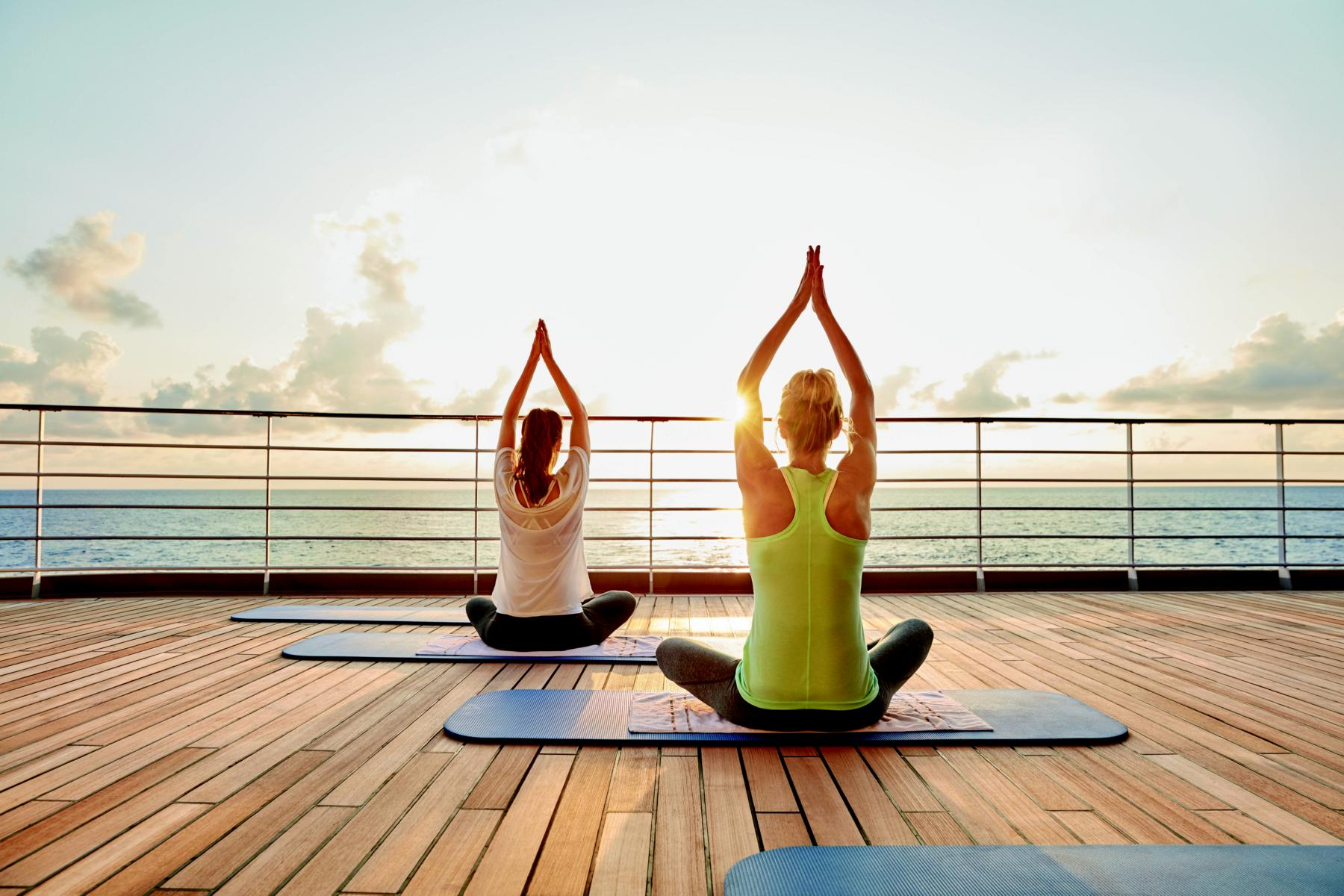 Yoga an Deck der MS Europa 2