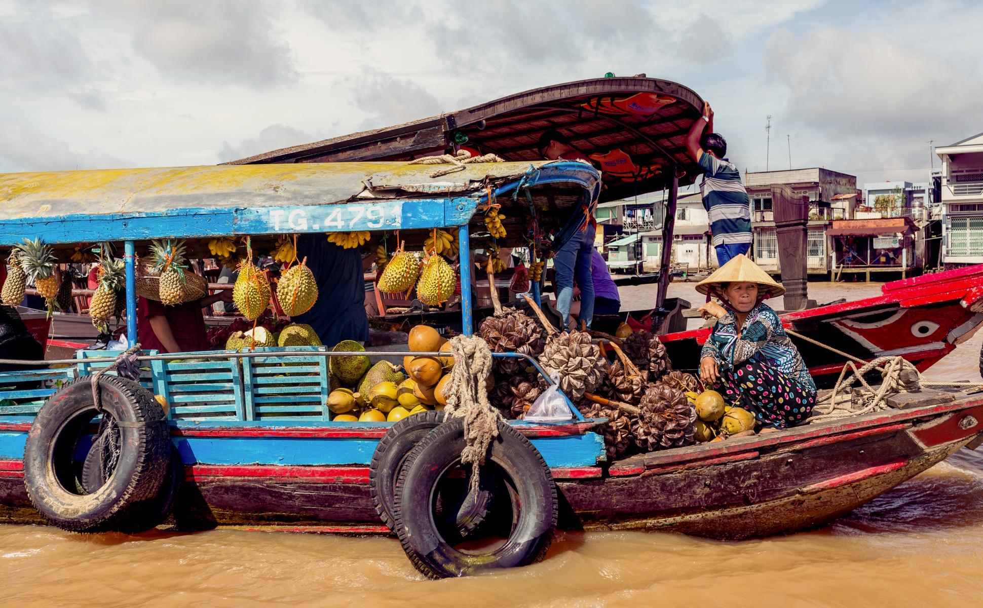 Schwimmender Markt im Mekongdelta in Vietnam