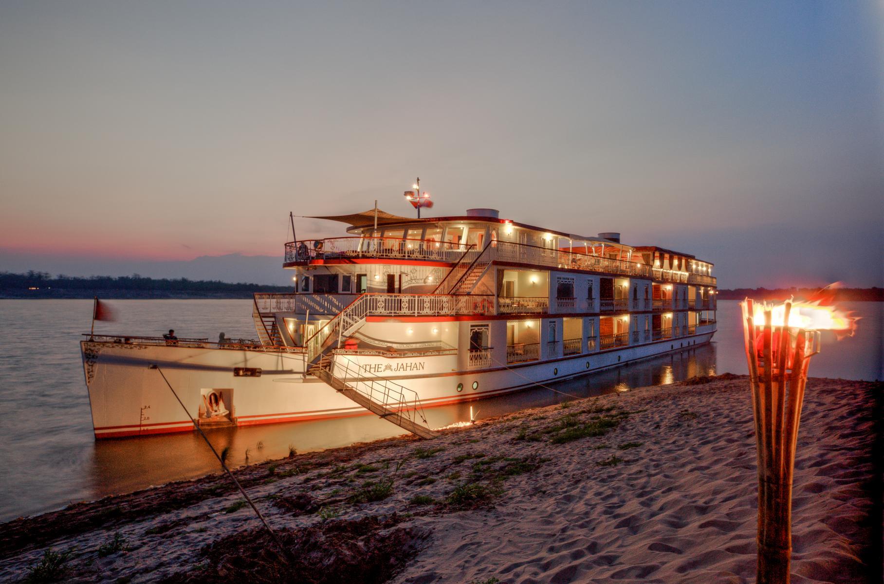 Die Jahan der Heritage Line auf dem Mekong in Vietnam und Kambodscha