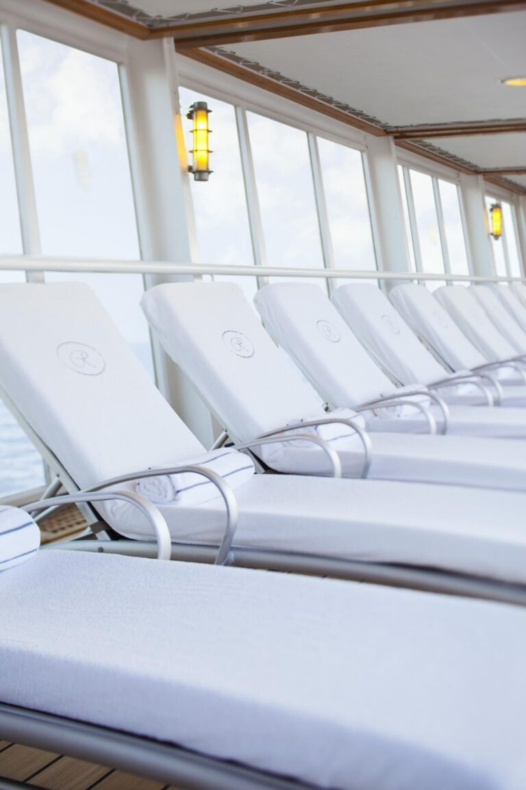 Voyager - Pool-Deck-Chairs.jpg