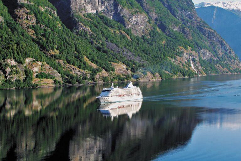 Voyager - VOY-Geirangerfjord-Norway.jpg