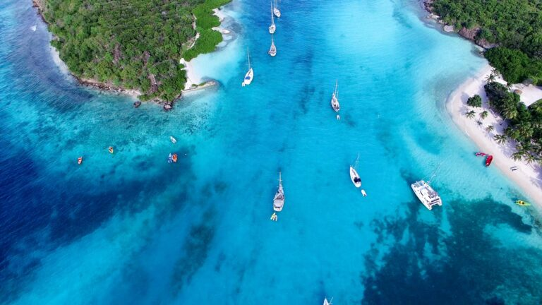 RitzCarltonYacht - SAINT-VINCENT-AND-THE-GRENADINES