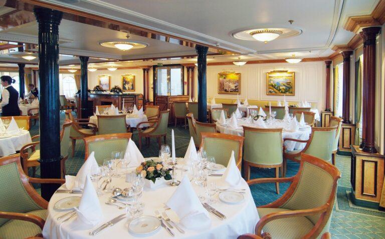 SeacloudII - K1600_SeaCloud_II_Restaurant_02