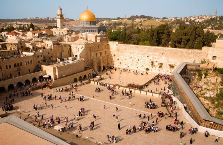Israel - Jerusalem-Kotel-and-Dome-of-the-Rock