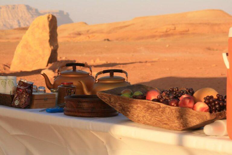 Israel - desert-lunch-table