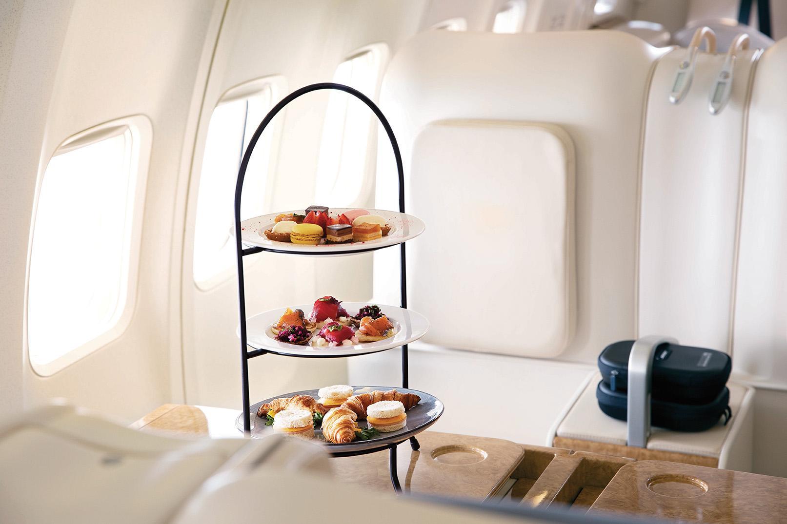 Gourmet-Verpflegung an Bord des Private Jets Albert Ballin von Hapag Lloyd