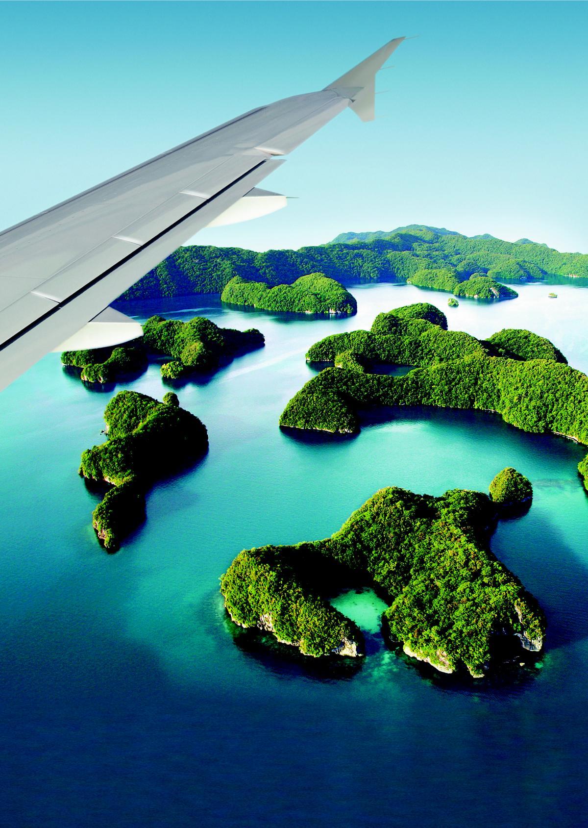 Palau von oben auf einem Flug mit dem Private Jet Albert Ballin von Hapag Lloyd