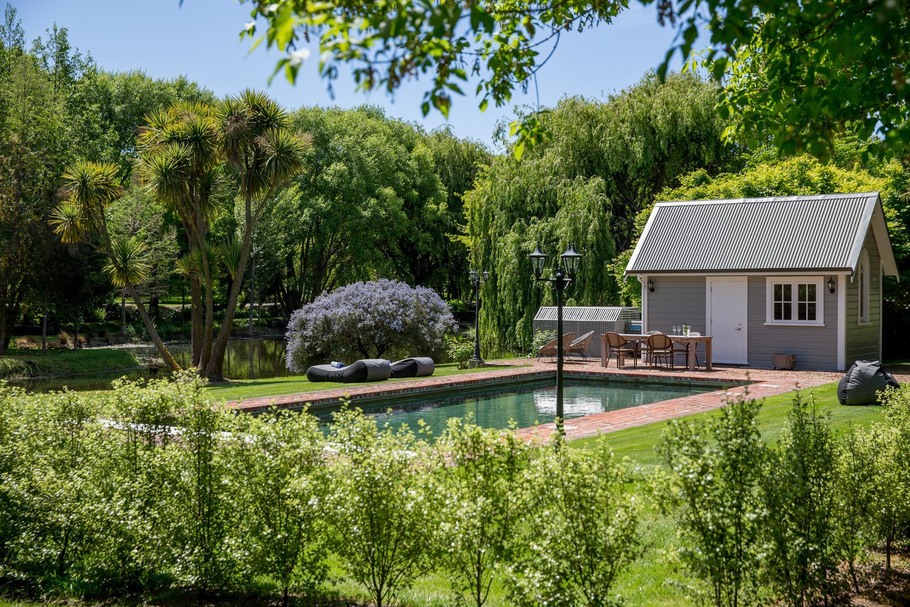 Pool in der Marlborough Lodge in Neuseeland