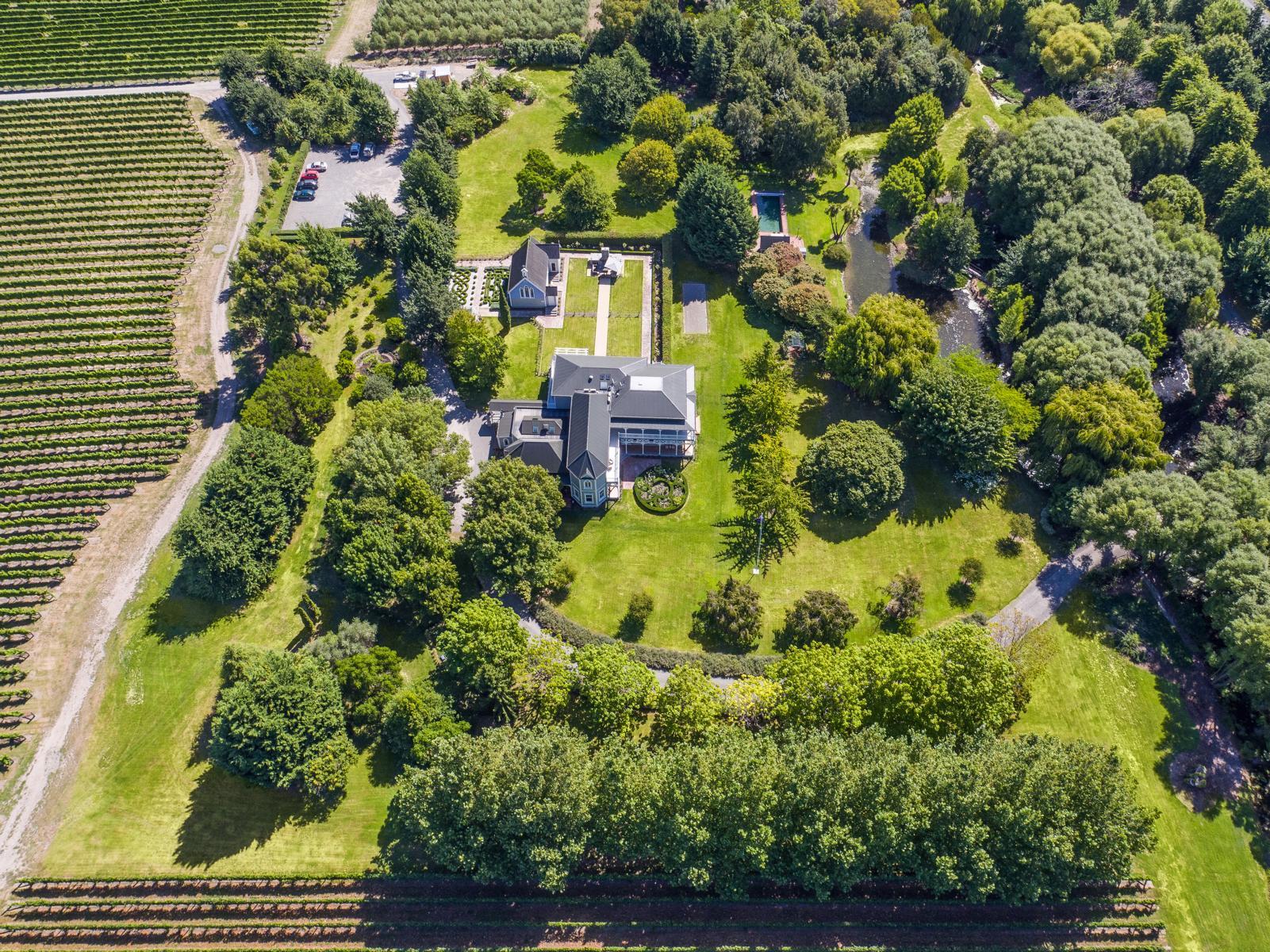 Die Marlborough Lodge in Neuseeland aus der Vogelperspektive