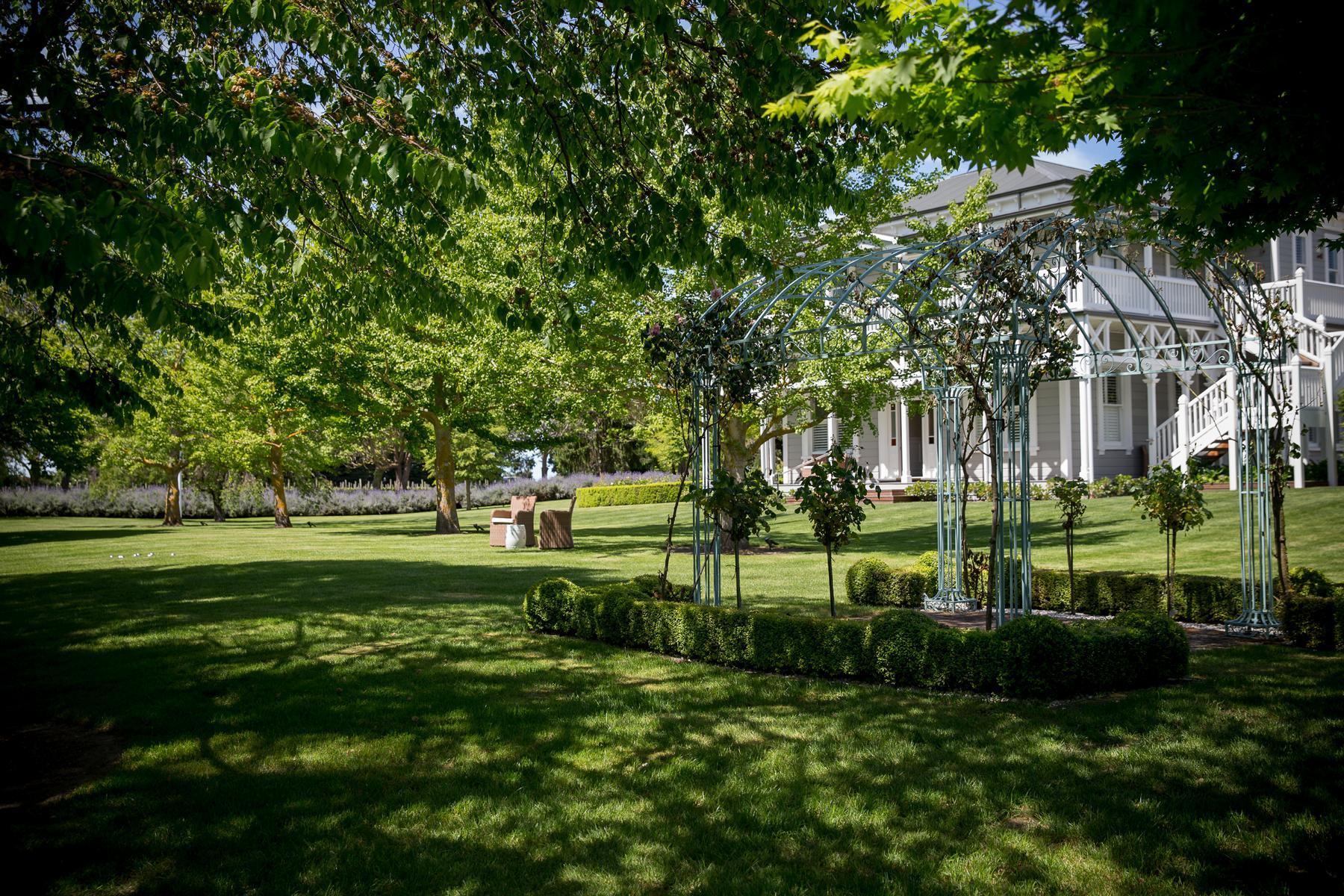 Der Garten und die Marlborough Lodge in Neuseeland