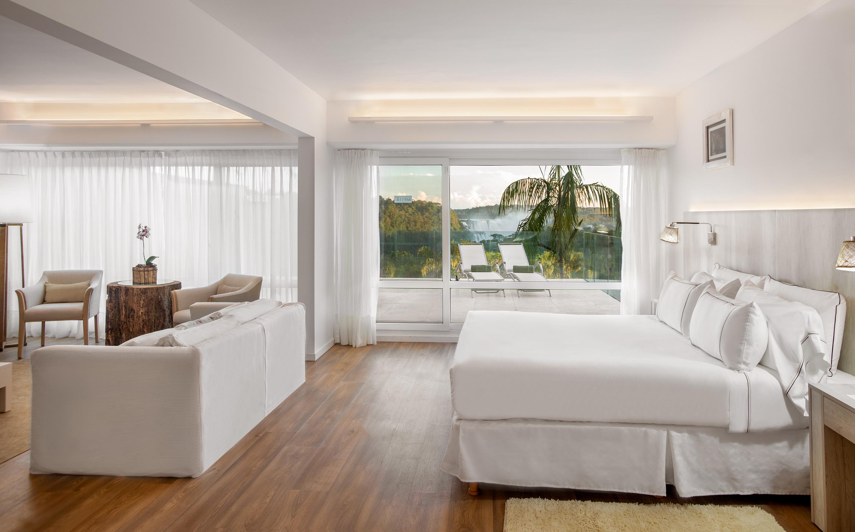 Rundreise - 119bGranMeliaIguazu-Suite_Terrace.jpg