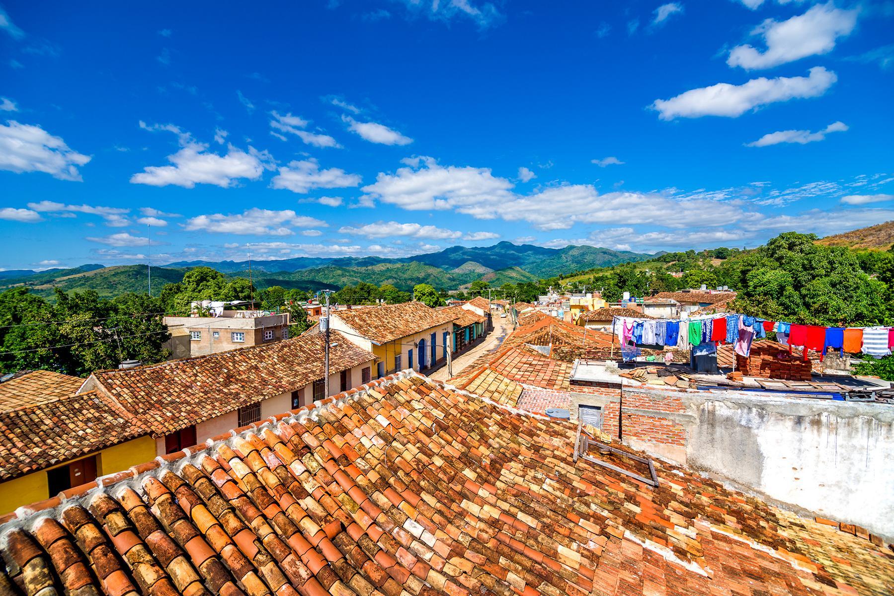 Kuba - Trinidad-roof.jpg