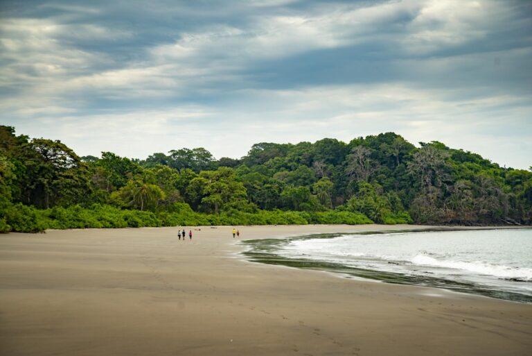 IslaPalenque - K1600_Isla-Palenque-Beach-Hike
