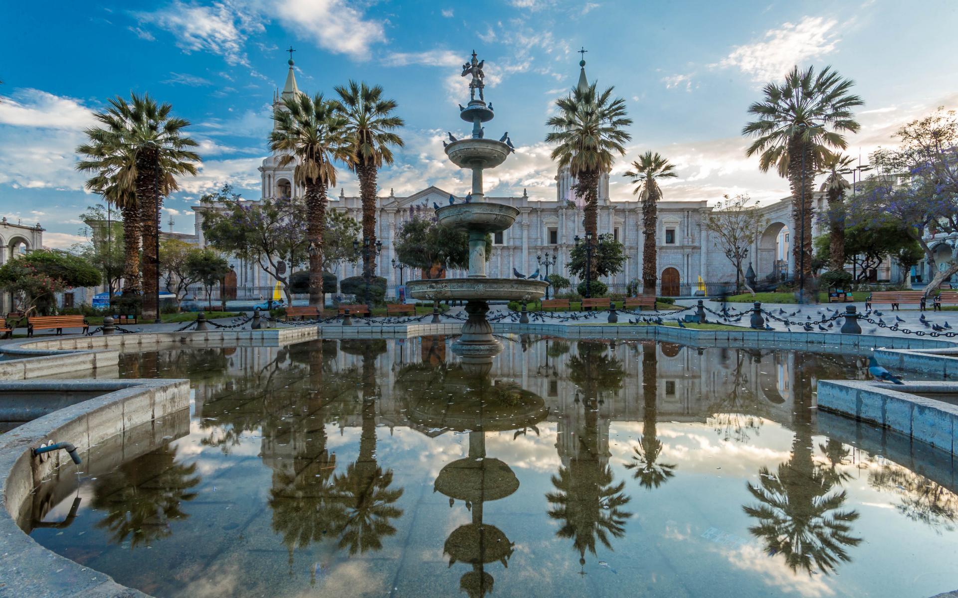 Rundreise - K1600_Arequipa-Peru-Main-Plaza-shutterstock_534691549.jpg